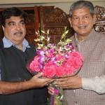 मुख्यमंत्री हरीश रावत ने की केन्द्रीय सडक एवं परिवहन मंत्री नितिन गडकरी से मुलाक़ात