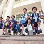 निजी स्कूलों पर हिंसा के द्वारा मनमानी रोकना उचित नहीं