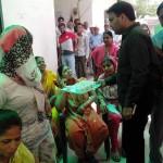 जनता को खुद चाय पिलाते है विधायक गुलाब सिंह यादव