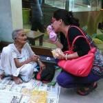 ८५ साल की बुजुर्ग महिला शीला घोष से सीखे जीवन जीना