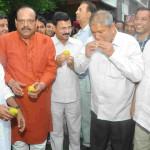 """हरीश रावत द्वारा """"आम पार्टी"""" का आयोजन किया गया"""