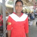 दुर्गा कुली का काम कर , कर रही पढ़ाई को पूरा
