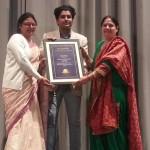 पार्षद नंदनी शर्मा को बेस्ट लीडरशिप अवार्ड