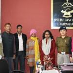 पुलिस अभियान के तहत संवासिनी का परिजनों से हुआ मिलन