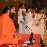 योग पर ना हो सियासत : रामदेव