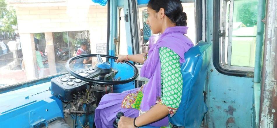 bus-driver-girl