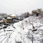 हिमाचल के कबायली इलाकों में कड़ाके की ठण्ड, पाइप लाइन जमी