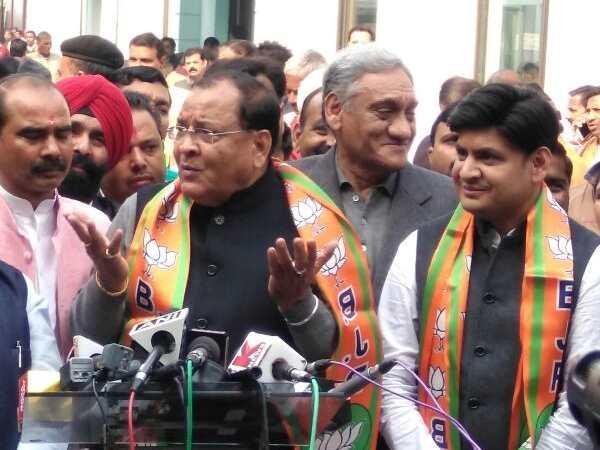 yashpal-arya-joins-bjp