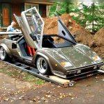 कबाड़ में काम करने वाला शख्स ने बनाई इतनी महंगी कार, जानिये खबर