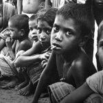 भारत में गरीब और गरीब हो रहे हैं…