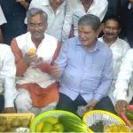 मुख्यमंत्री त्रिवेंद्र पूर्व मुख्यमंत्री हरीश रावत की आम पार्टी में हुए शामिल