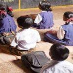 गरीब बच्चों को पढ़ाने में बिताता है अपनी छुट्टियां, जानिए खबर