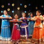 कथक नृत्य ने लोगो का मोहा मन …..