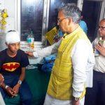 दून अस्पताल में भर्ती आपदा पीड़ितों का सीएम त्रिवेंद्र ने जाना हाल-चाल