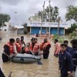 भारी बारिश और बाढ़ से राज्यों में हाहाकार, अब तक 93 की मौत
