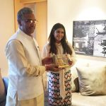 सीएम त्रिवेंद्र सिंह रावत से सुप्रसिद्ध निर्माता निर्देशक एकता कपूर ने की शिष्टाचार भेंट