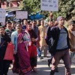 श्राइन बोर्ड का विरोध : सड़कों पर उतरे तीर्थ पुरोहित