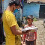 ऑनलाइन सुविधा नही तो जरूरतमंद बच्चों के घर जा कर अपने सपने संस्था प्रदान कर रही शिक्षा