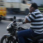 गाड़ी चलाते समय मोबाइल पर बात करने पर ड्राइविंग लाइसेंस होगी रद्द
