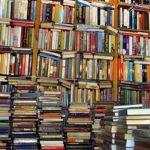 गरीब छात्रों की मदद के लिए किताबें एकत्र करता है यह युवक