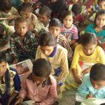गरीब बच्चों को मुफ्त शिक्षा दे रही हैं 'पुलिस मैडम'