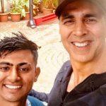 पैदल 900 किमी की दूरी तय कर मिलने पहुँचा अक्षय कुमार का फैन, जानिए खबर