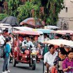 ई-रिक्शा चालकों का जीवन अधर में, जानिए खबर