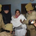 साध्वी पद्मावती को पुलिस ने अनशन से उठाया